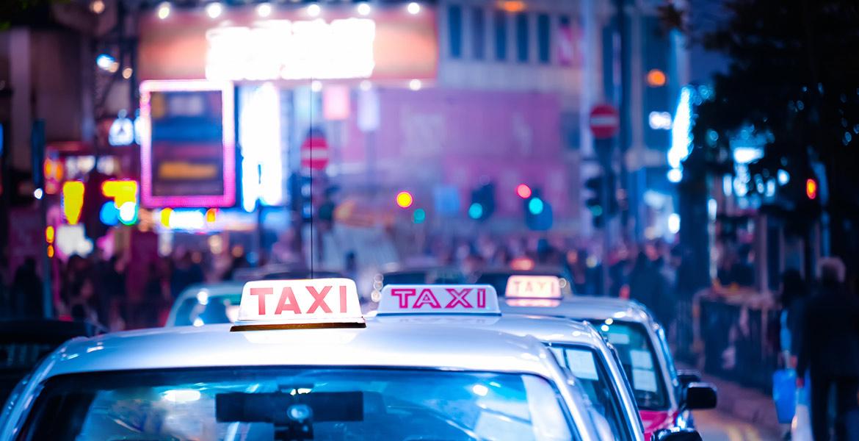 Taximetriștii, obligați să-și doteze mașinile cu aparate de taxare care costă 400 de euro!